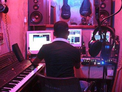 Labelwatermusic enrejistre les artiste Hip-Hop le studio water sound le studio du labelwatermusic