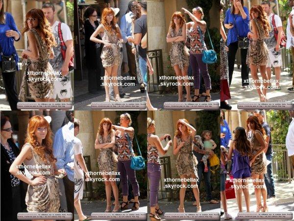 le 28 juin 2011 - Bella faisant du shopping au Grove