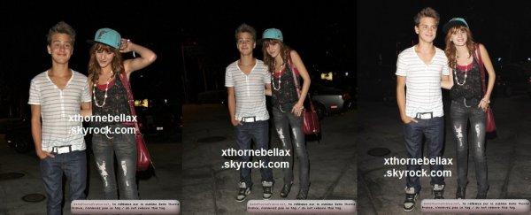 le 2 aout 2011 - Bella et Garett quittant le Pinz Bowling à Studio City