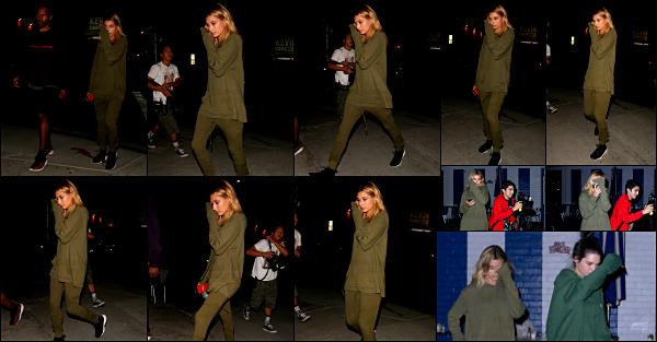 - 17/08/16 - Notre Hailey Baldwin est vue alors qu'elle quittait « Swingers diner » dans  West Hollywood ! Hailey était ce soir là en compagnie de son amie Kendall Jenner ! Les deux jeunes femmes avaient une tenue vraiment spéciale pour le coup, sportive.    -