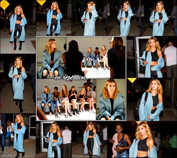 - 11/09/16 - Hailey Baldwin est photographiée alors qu'elle arrivait au « Skylight Clarkson SQ » -  New York !Hailey est aperçue une première fois se soir là dans une tenue plutôt sympa. Le soir même, la belle Hailey B. à défilé pour le grand styliste Prabal Gurung. -