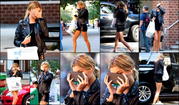 - 13/09/16 - La belle Hailey Baldwin est aperçue se matin, alors qu'elle se baladait dans les rues - New York.Hailey B. à profité d'un peu de temps libre pour aller faire quelques courses. Elle n'avait apparement pas envie d'être photographiée ! C'est un beau top.     -
