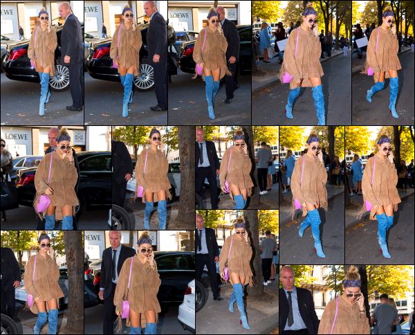 - 03/10/16 - La belle Hailey Baldwin est aperçue alors qu'elle se baladait tranquillement dans les rues - ParisLe soir même, Hailey à assisté a une soirée avec quelques unes de ses amies. Une tenue plutôt jolie, je suis pas totalement fan, mais c'est un beau top.   -