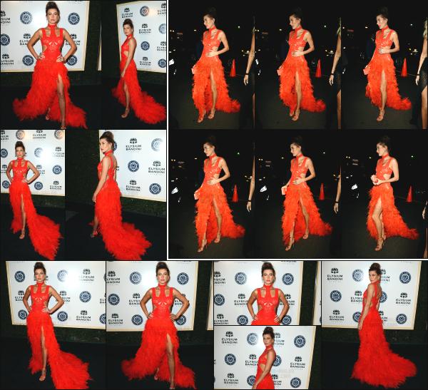 - 07.01.17 ─ Hailey Baldwin était présente à la soirée évènement « Art Of Elysium Heaven Gala » dans Los Angeles ! [/s#00000ize]C'est vêtu d'une longue robe rouge qu'a assisté Hailey à l'évènement ce soir là ! Je la trouve vraiment très jolie et la robe lui va très bien. Un beau top ! -