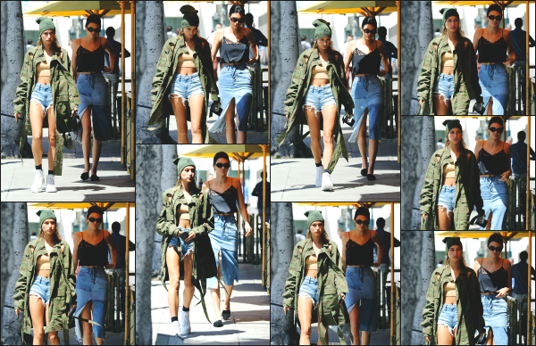 - 18.04.17 ─ Notre Hailey Baldwin  est photographiée, allant au « Honor Bar » avec Kendall Jenner à - Beverly Hills ! [/s#00000ize]C'est de nouveau dans la même journée et dans une tenue différente qu'est aperçue Hailey, mais cette fois avec l'une de ses meilleures amies Kendall J.  -