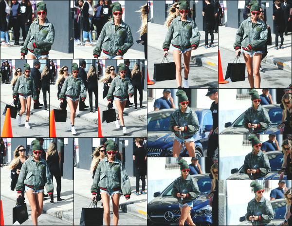 - 18.04.17 ─ Notre Hail Baldwin  est photographiée, sortant du magasin « FENTY by Rihanna pop-up » à Hollywood. [/s#00000ize]H' est donc allée faire quelques emplettes de la marque Puma en collaboration avec la grande Rihanna. Elle était en compagnie de son amie Maeve Reilly  -