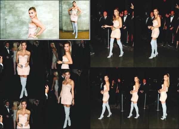 - 02.05.16 ─ Hailey' Baldwin était présente au « Balmain and Olivier Rousteing » après les MET Gala à New York  ![/s#00000ize]La soirée se passait cette fois au The Gilded Lily, toujours dans les rues de New York. Hailey est vraiment trop mignonne dans cette petite robe je trouve.  -