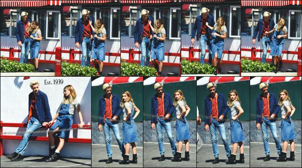 - 19.04.16 ─ Notre Hailey Baldwin est photographiée sur le set d'un shoot pour Tommy Hilfiger dans Los Angeles ![/s#00000ize]Un nouveau shoot pour Hails, et pas des moindres pour celui ci. C'est bel et bien pour la marque Tommy Hilfiger qu'Hailey pose dans un look assez cool.  -
