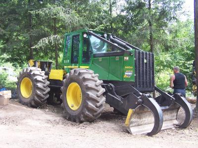 tracteur forestier en