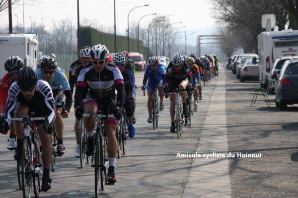 course GHLIN  51p  07/04/2013  peloton ?