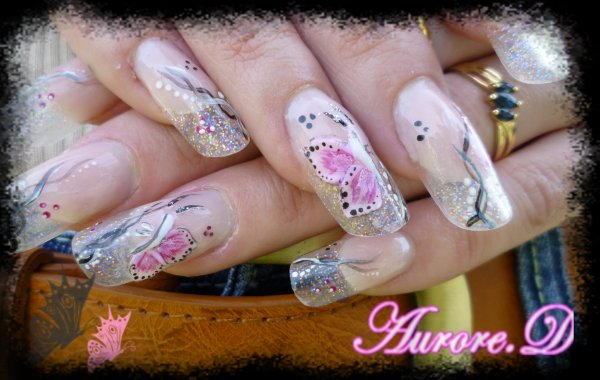 "Résine ""Butterfly on the nails"""
