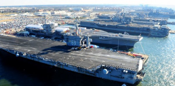 Comment l'US Navy transforme de l'eau de mer en carburant