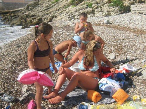moi et les petits a la plage prive