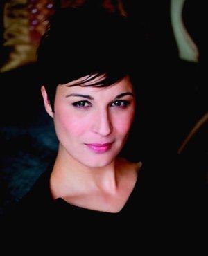 """Plus belle l'écriture pour Hélène Médigue !  Après 5 ans dans """"PBLV"""", Hélène repart au théâtre."""