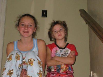 moi et ma soeur dimanche matin avant d'aller dans la baignoire