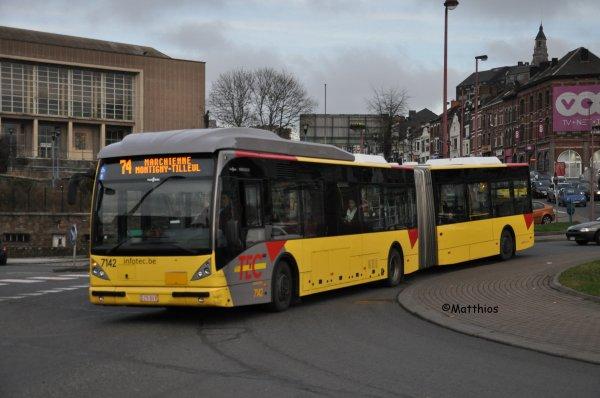 Van Hool NewAG300 n° 7142