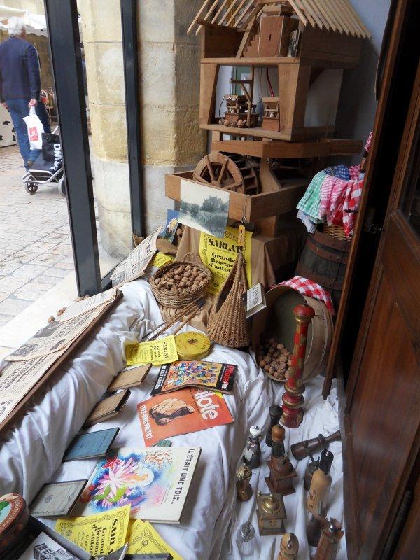 vitrine sarlat moulin
