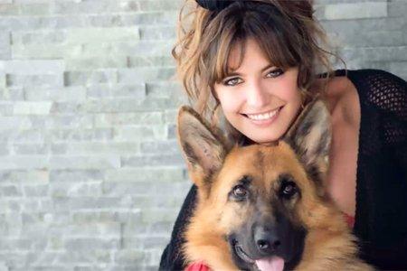 Laetitia Milot (Mélanie) de PBLV vient de perdre sa chienne, Kalie