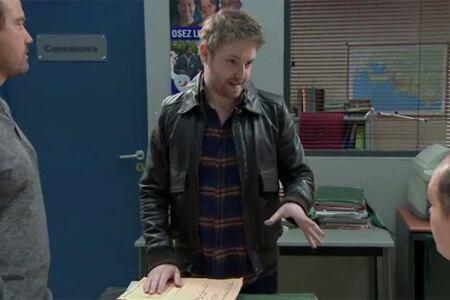 J.Francois et J.Paul pensent que Nathan sort avec la commissaire ...