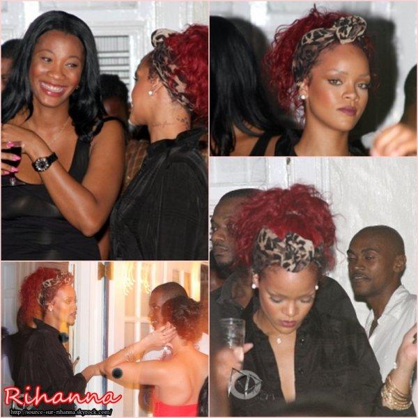 """28 Décembre ~ Rihanna à la fête """"Models & Bottles"""" à la Barbade."""