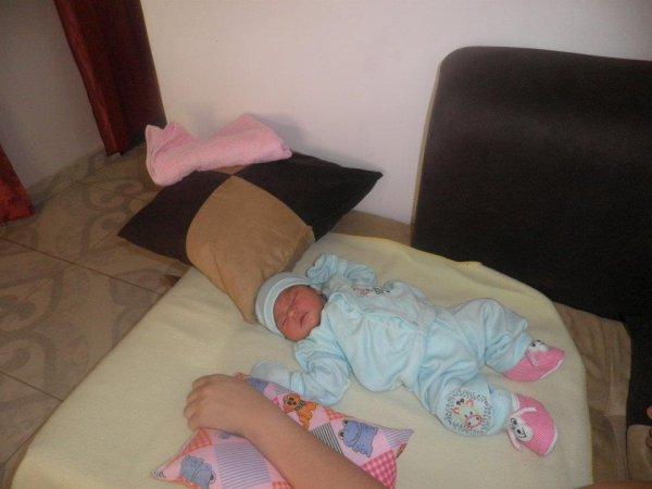 mi bebe el 5 dia de nacida