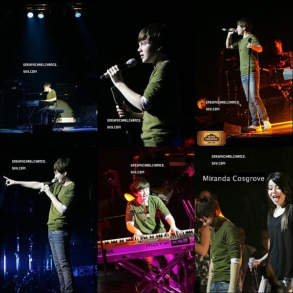 . 16/02/2011 : Greyson a donné un concert au Théâtre de Tampa. 17/02/2011 : Greyson a posté une photo sur Twitter (voir ci-dessous) .