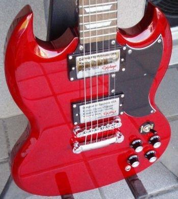 j'ai des guitare je suis Guitariste je suis amoureux mais j'ai pas de copine :(