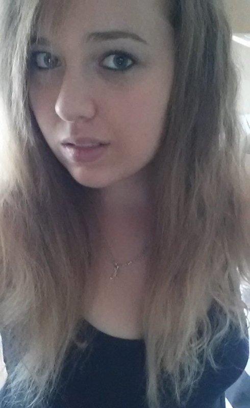 * »   M00w ' la plus blonde des rousses idiotes au rire tordu  un℮ p℮rl℮ rαr℮ qu'σn σubli℮ pαs .    Animal sauvage , faut savoir m'apprivoiser ...