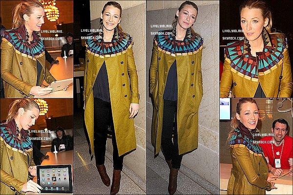 .     09/12/11 : Blake Lively était à l'ouverture de l'Apple Store à Grand Central, à New York.     .