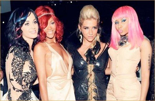 Nouvelle collaboration pour Rihanna et Nicki Minaj !