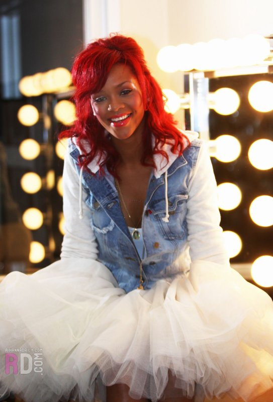 Rihanna dans Battleship- Elle en parle avec NRJ