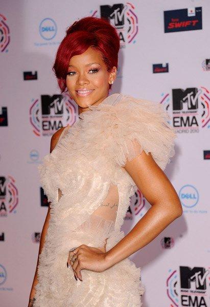 Rihanna : les ventes de son album dopées par Noël !