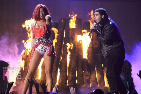 Grammy Awards 2011: What's My Name (ft.Drake)