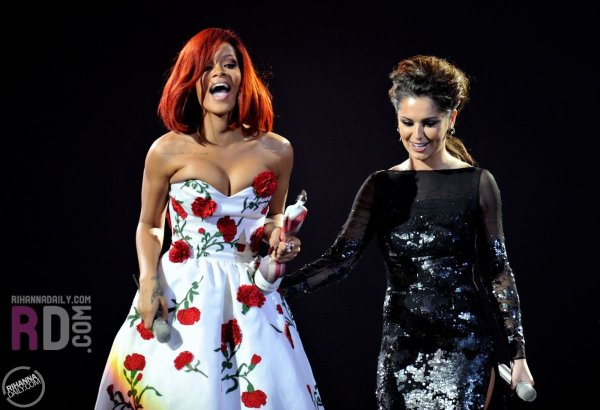 Brit Awards 2011: Meilleur Artiste Féminine Internationale (remis par Cheryl Cole)