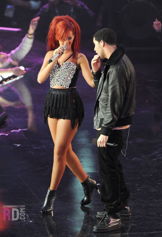 Rihanna au All-Stars Game 2011: Medley (ft. Drake)