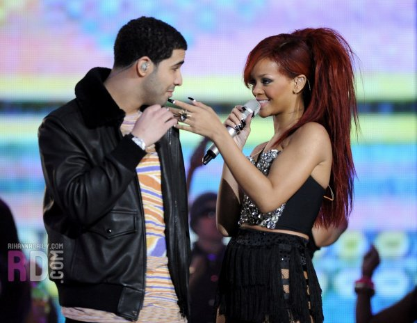 Rihanna au All-Stars Game 2011: Medley (ft. Drake)