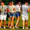 19/8/12: Eleanor et son beau Louis ont étaient appérçuent tout mignons au V Festival pluto Top ou Flop ? $Flashback