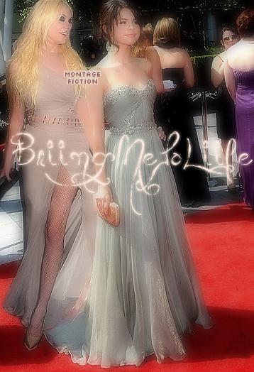 Taylor Momsen & Selena Gomez