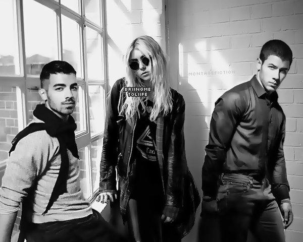 Nick Jonas & Joe Jonas & Taylor Momsen