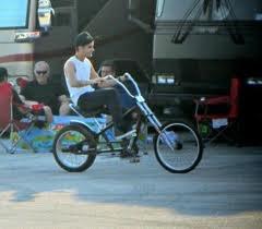 Niall & Zain devant le bus