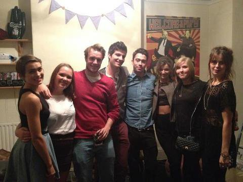 Eleanor récement avec des amis a elles
