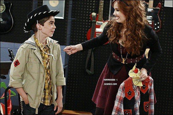 . 4,6 Millions de spectateur pour le premier épisode de la nouvelle série de Debby : JESSIE !! . __Pleins de super nouvelle pour vous ! : Vous pouvez déjà vous rendre sur YouTube pour regarder le ____premier épisode de Jessie qui a batu un RECORD !! Meilleur avant première le vendredi soir !  4,6 ____Millions de personnes ont regardé la série ! C'est énorme. Le record appartenait à La Vie De Croisi____-ère de Zack & Cody il y à trois ans. Bravo à Debby et à tout le cast ! Beaucoup de célébritée ont____tweeter leurs félicitations comme Jaden Smith ou encore le père des Jonas Brothers ...  . Content(e) ? (ou pas !) .
