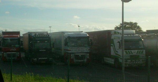 Scania et Volvo (photo prise par moi)