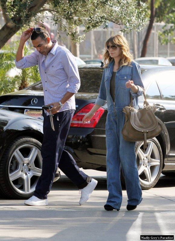 Ellen Pompéo à West Hollywood se rendant dans un salon de coiffure John Freda le 1er février