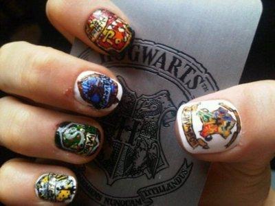 Poses d'ongles à Poudlard