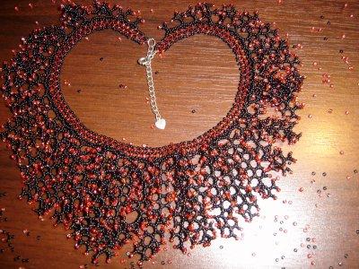 collier corail noir et rouge