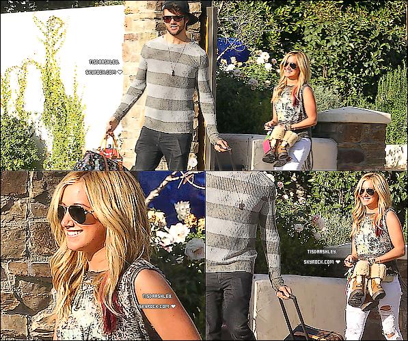 - 14/02/12 : Ashley a été vue quittant sa maison à Toluka Lake avec son boyfriend et ses valises. Ash' est très belle, pour moi c'est encore un TOP ♥. -