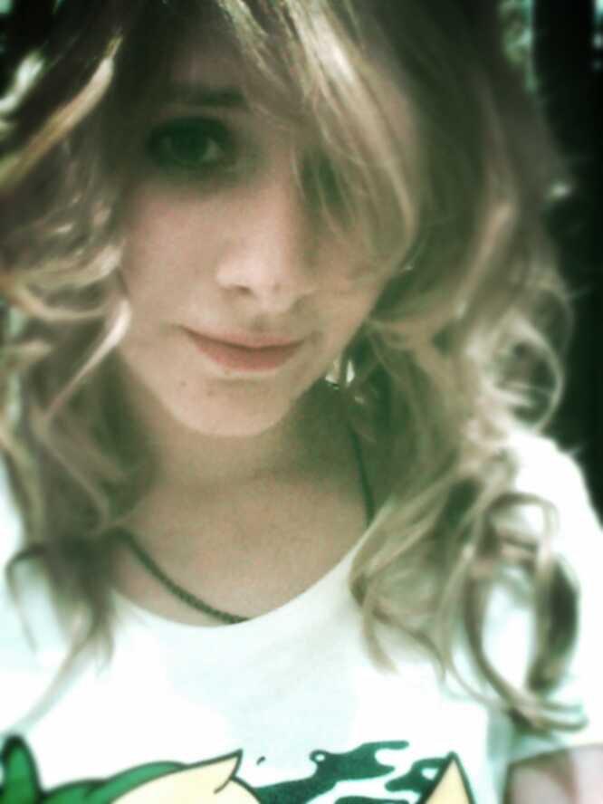 Laura :)