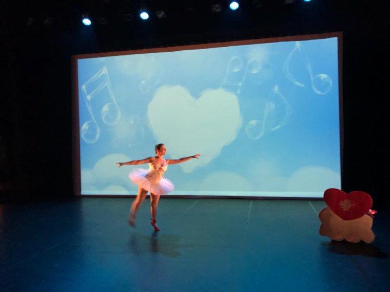 Laura en cupidon spectacle  juin 2017