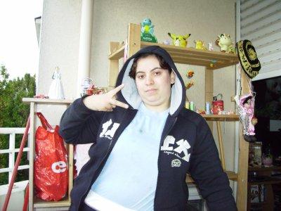 voila foto de ma fille voila chacha 23ans du 25/11/87
